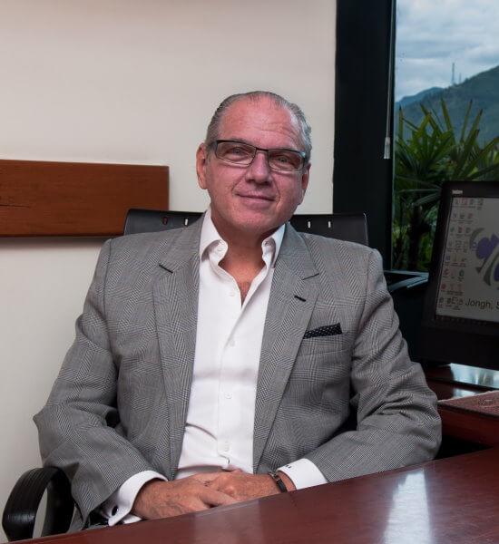 Dr. Miguel Salomón